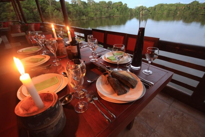 la-selva-lodge-candlelight-diner