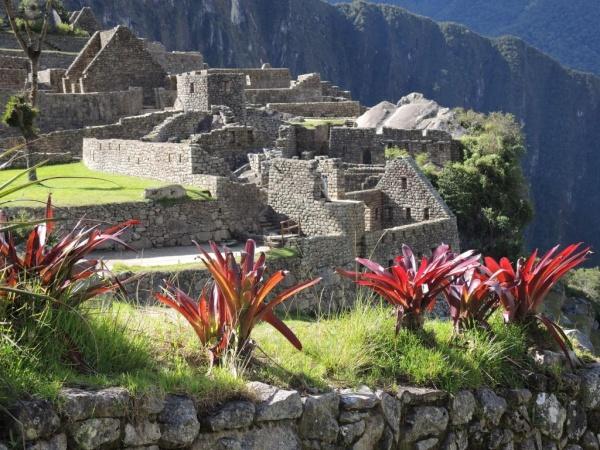 machu-picchu-ruins-peru